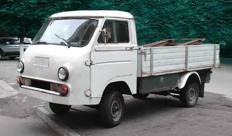 ЕрАЗ-762Г. Грузовая версия с деревянным кузовом.